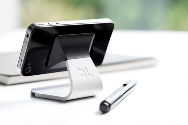 bluelounge milo einfache iphone halterung zum kleinen. Black Bedroom Furniture Sets. Home Design Ideas