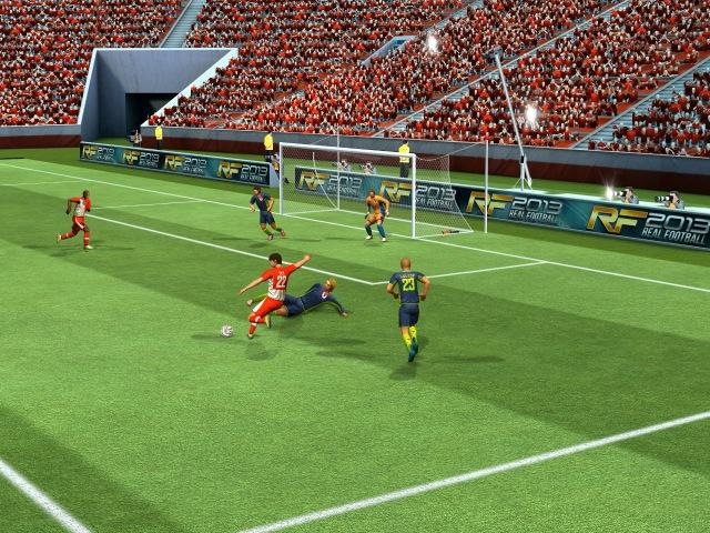 Real_Football_2013_PR 4