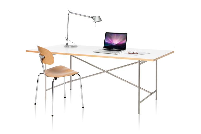 E2 Schreibtisch