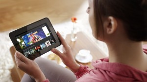 Amazon_Instant_Video_Frau_mit_Kindle