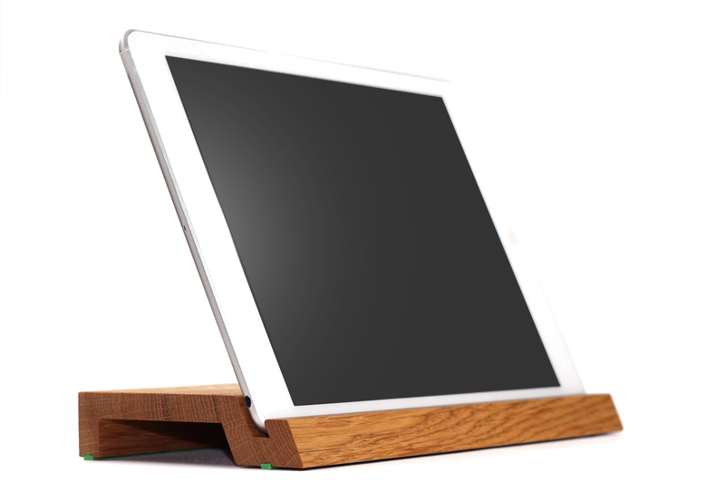 woodup airwolf h bscher ipad air st nder aus echtem holz. Black Bedroom Furniture Sets. Home Design Ideas