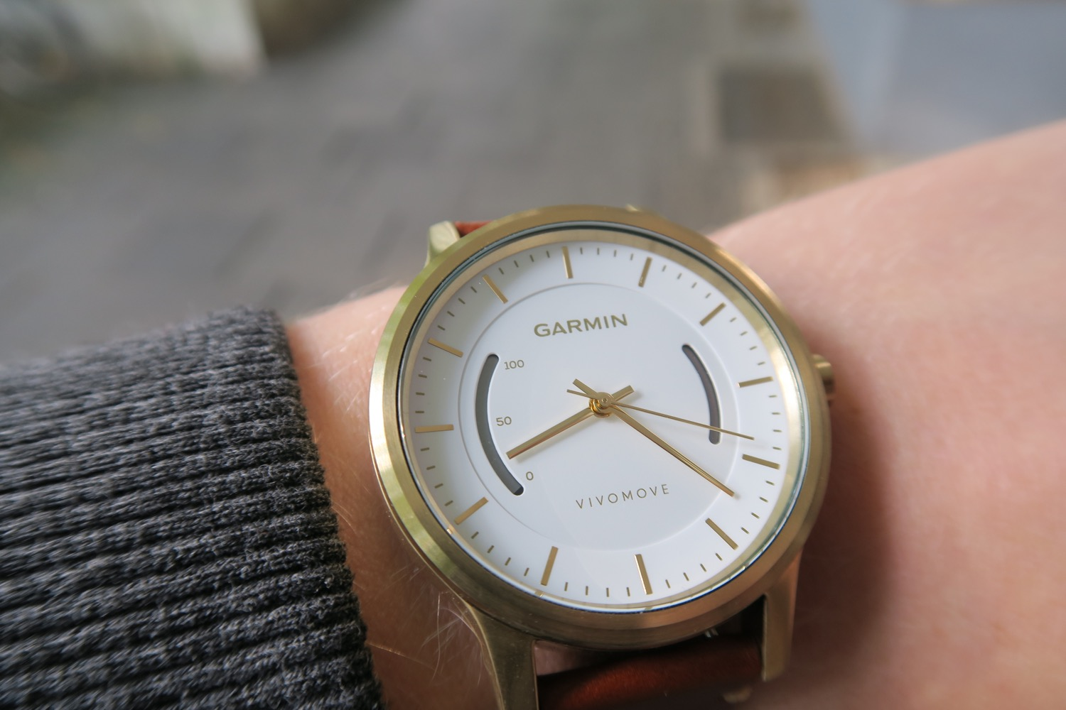 Garmin vivomove watch