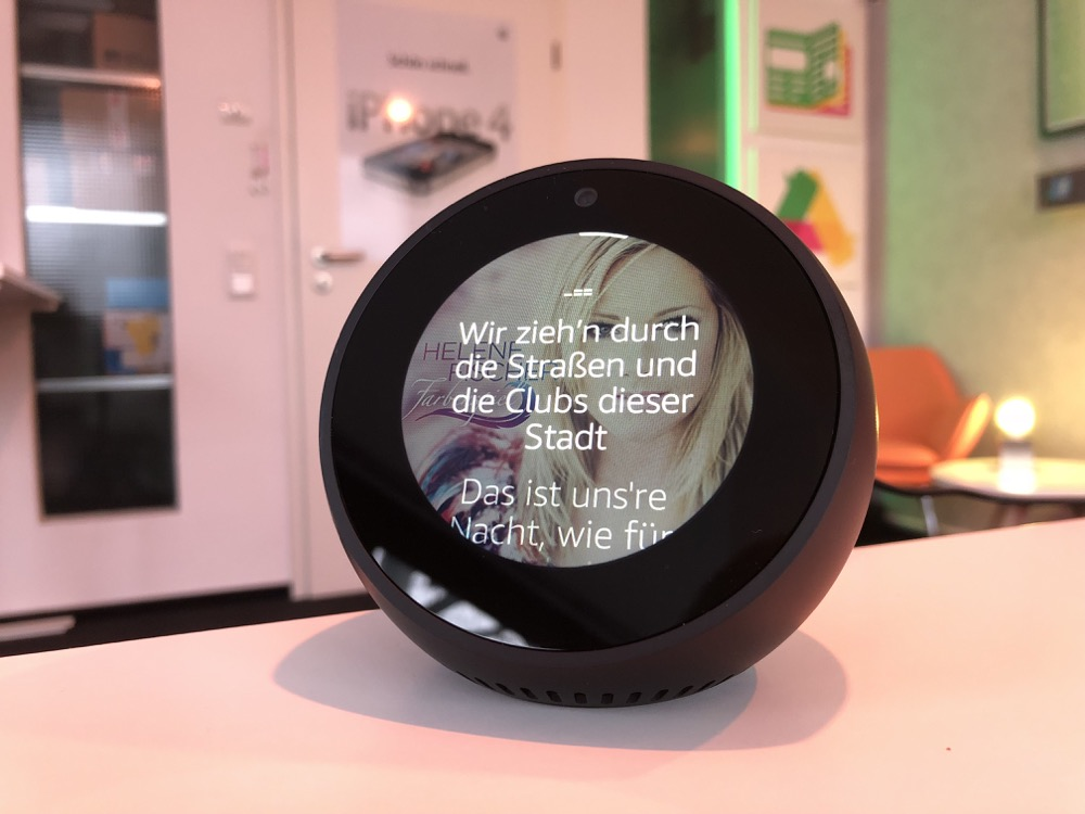 echo spot von amazon im test vorgestellt. Black Bedroom Furniture Sets. Home Design Ideas