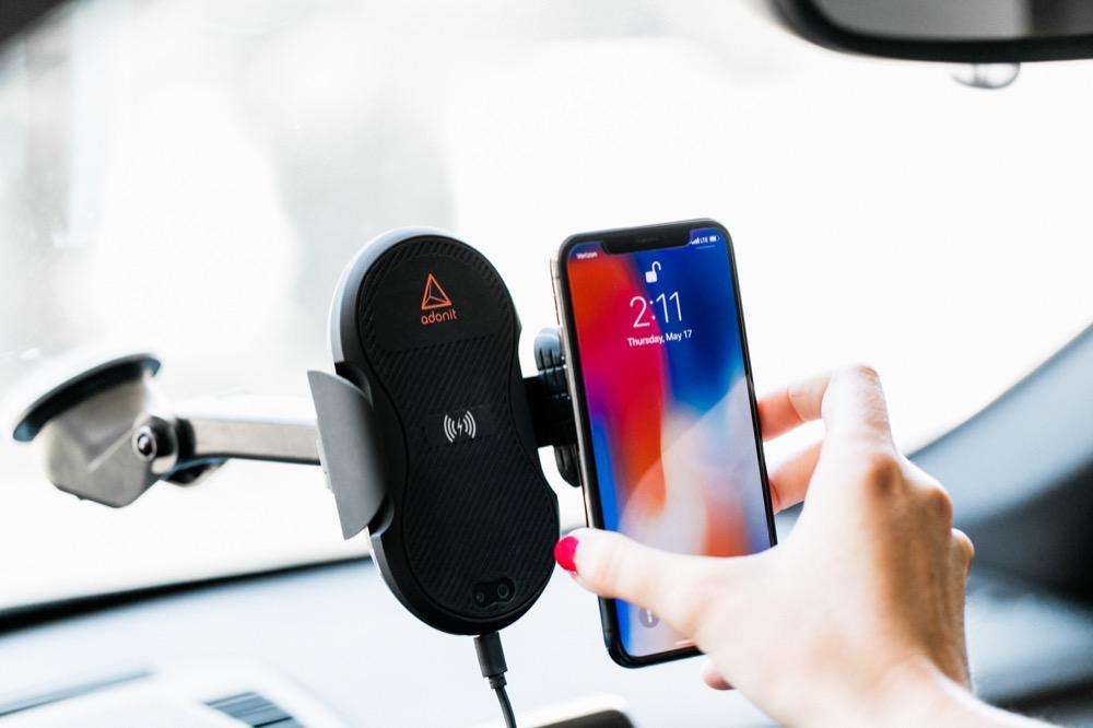 Adonit Wireless Car Charger 1