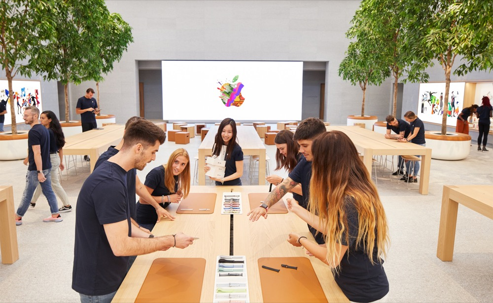 Apple-Piazza-Liberty_employee-preview_07242018
