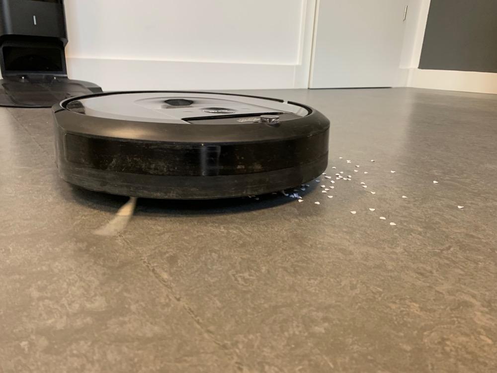 iRobot Roomba i7+ bei der Arbeit