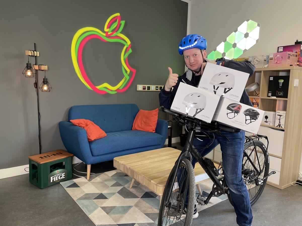 Wir verlosen drei smarte Fahrradhelme im Wert von über 600