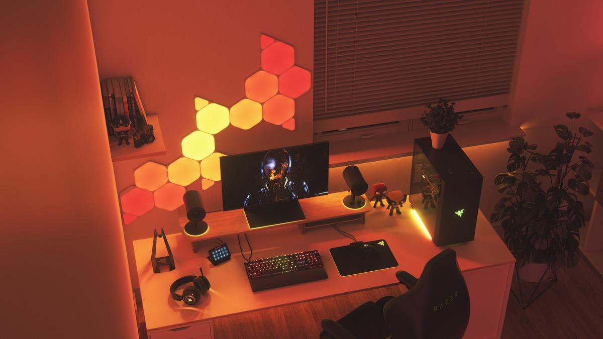 Gaming-PC mit Nanoleaf und Razer